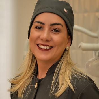 Dra. Raphaela Guimarães